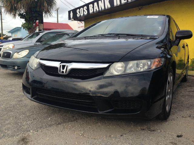 2010 HONDA CIVIC LX 4DR SEDAN 5A blk fully loaded4 new tir   in very good condition very clean i