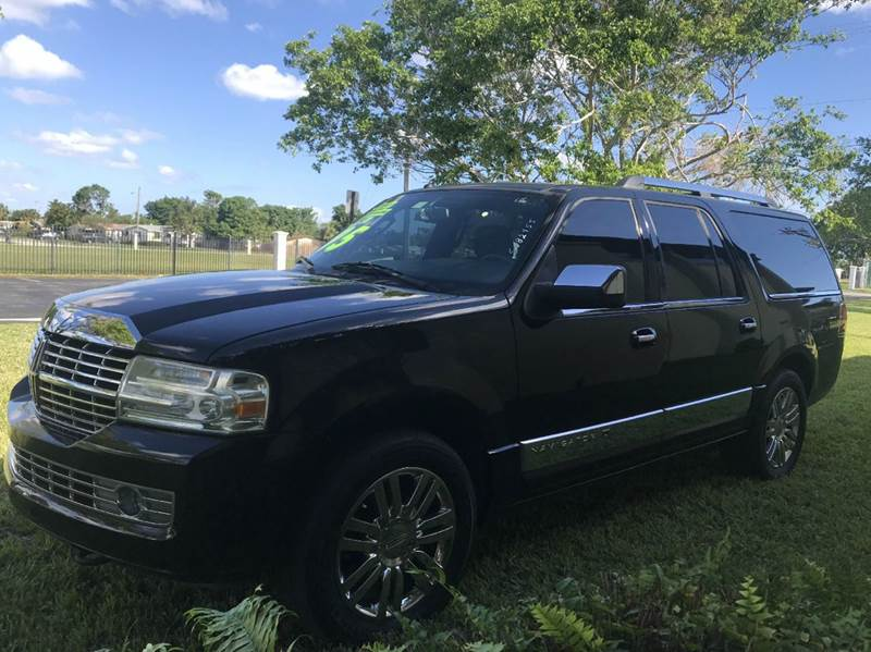 2007 LINCOLN NAVIGATOR L LUXURY 4DR SUV black 2007 lincoln  navigator l ultimate this vehicle is e