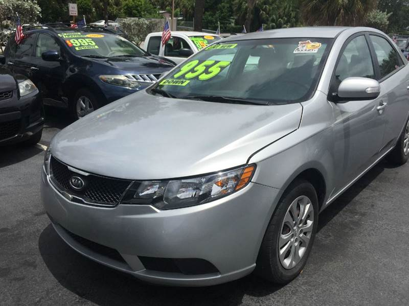 2010 KIA FORTE EX 4DR SEDAN 4A silv 995 down amfm cd ipodiphone connections  no clean tit