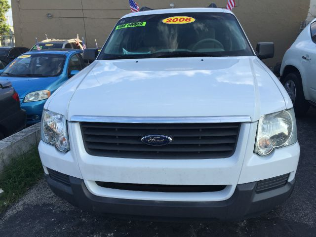 2006 FORD EXPLORER XLS 4DR SUV whi clean titl wheels  great car sport  awsome driver car  ve