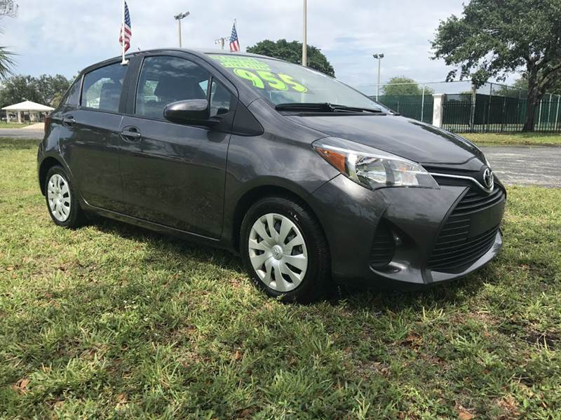 2015 TOYOTA YARIS 5-DOOR LE 4DR HATCHBACK gray 2015 toyota yaris  sport eco boost sport this vehi