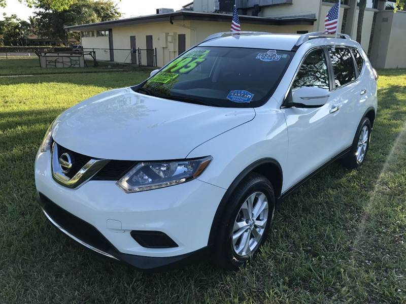 2015 NISSAN ROGUE SV 4DR CROSSOVER whit 2015  nissan  rogue ssv eco boost sport this vehicle is e