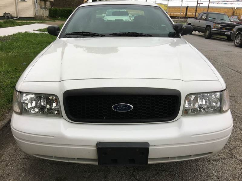 2006 Ford Crown Victoria Police Interceptor w/Street Appearance Package 4dr Sedan (3.27 axle) - Chicago IL