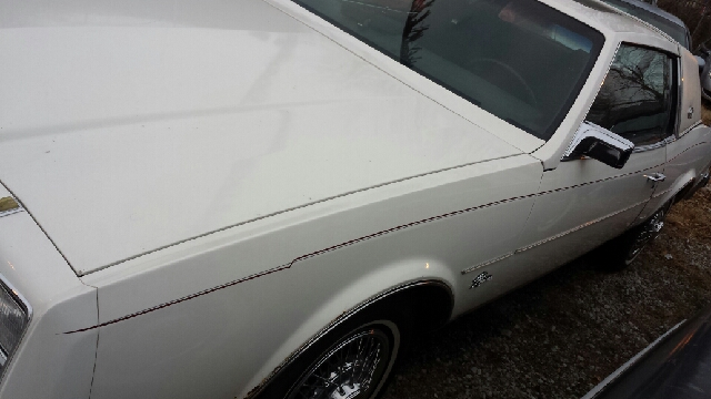 1985 Buick Riviera Base 2dr STD Coupe - Chicago IL