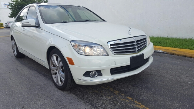 2011 mercedes benz c class awd c300 luxury 4matic 4dr for Mercedes benz hollywood fl