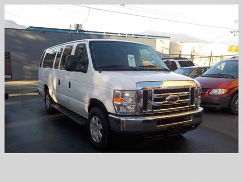 2009 Ford E-Series Wagon for sale in Vancouver, BC