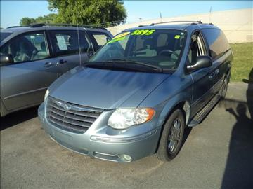 2005 Chrysler Town and Country for sale in Hazel Crest, IL