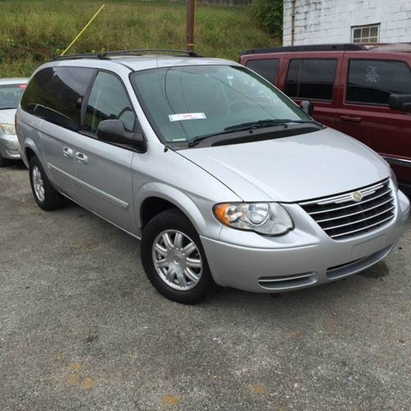 2006 Chrysler Town Country: 2006 Chrysler Town And Country Touring 4dr Extended Mini