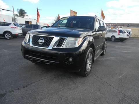 2009 Nissan Pathfinder for sale in Hialeah, FL