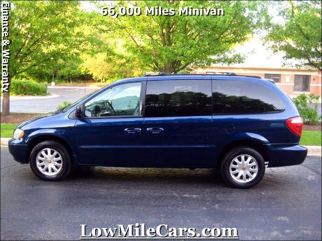 2002 chrysler town and country lx 4dr minivan in burr ridge il a1 auto sales. Black Bedroom Furniture Sets. Home Design Ideas