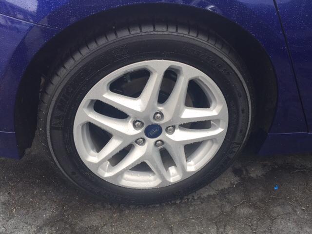 2015 Ford Fusion SE 4dr Sedan - Chicopee MA