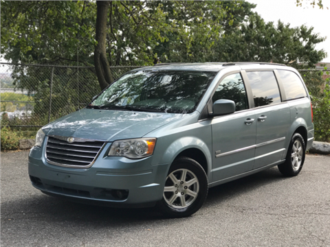 2008 Chrysler Town and Country for sale in Ozone Park, NY