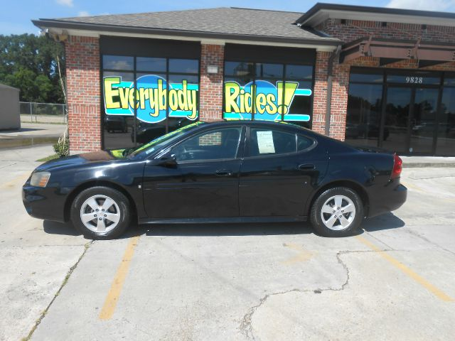 2008 PONTIAC GRAND PRIX BASE SEDAN black all power equipment is functioning properly  this vehic