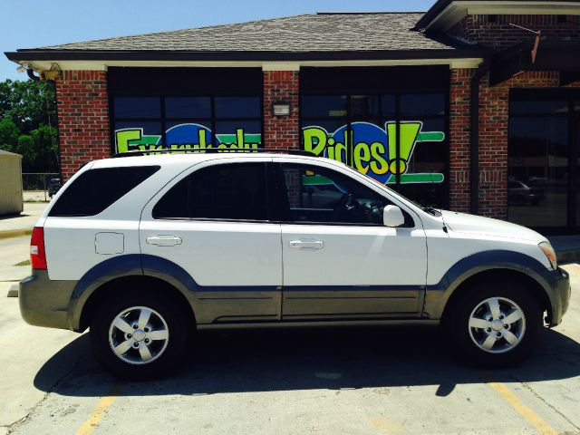 2008 KIA SORENTO EX 4DR SUV white the electronic components on this vehicle are in working order