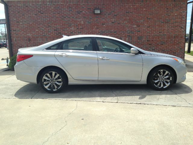 2011 HYUNDAI SONATA SE 4DR SEDAN 6A silver there are no electrical concerns associated with this v
