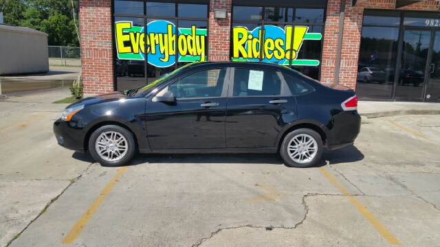 2010 FORD FOCUS SE 4DR SEDAN black there are no electrical problems with this vehicle  no defect