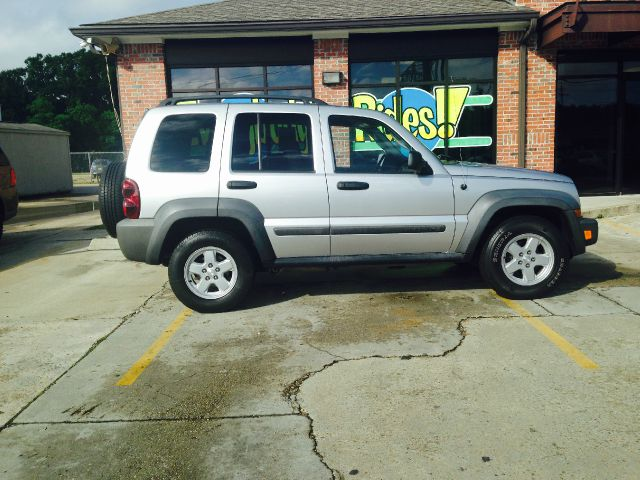 2007 JEEP LIBERTY SPORT 4DR SUV silver there are no electrical concerns associated with this vehi