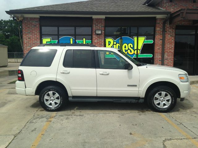 2008 FORD EXPLORER XLT 4X2 SUV white you wont find any electrical problems with this vehicle  th