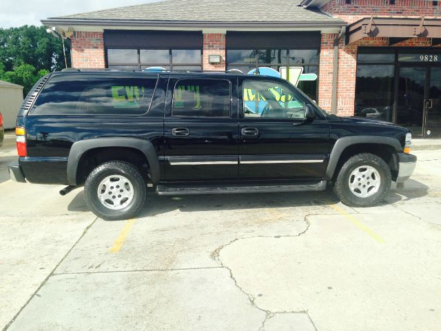 2005 CHEVROLET SUBURBAN 1500 LT 4DR SUV black this truck is a one owner truck with less than 85k