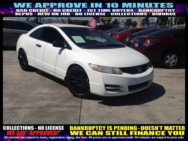 2009 HONDA CIVIC DX 2DR COUPE white  welcome take a test drive or call us if you have any ques