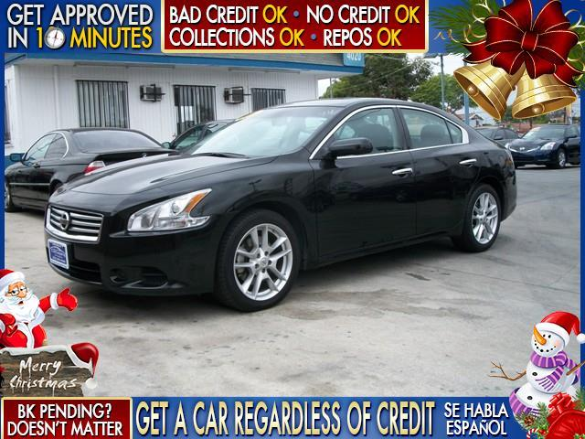 2014 NISSAN MAXIMA black  welcome take a test drive or call us if you have any questions you