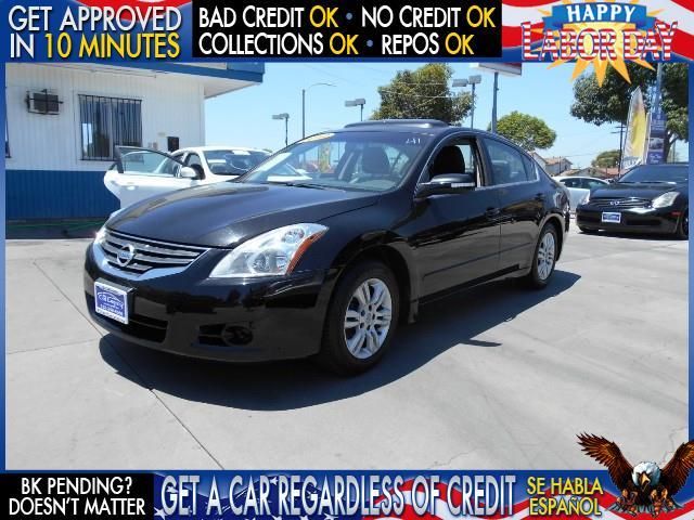 2012 NISSAN ALTIMA 25 S black  welcome take a test drive or call us if you have any questions