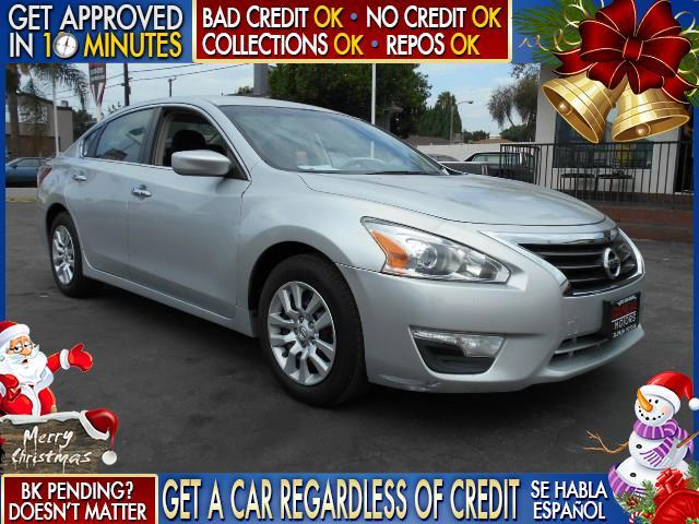 2013 NISSAN ALTIMA 25S silver  welcome take a test drive or call us if you have any questions
