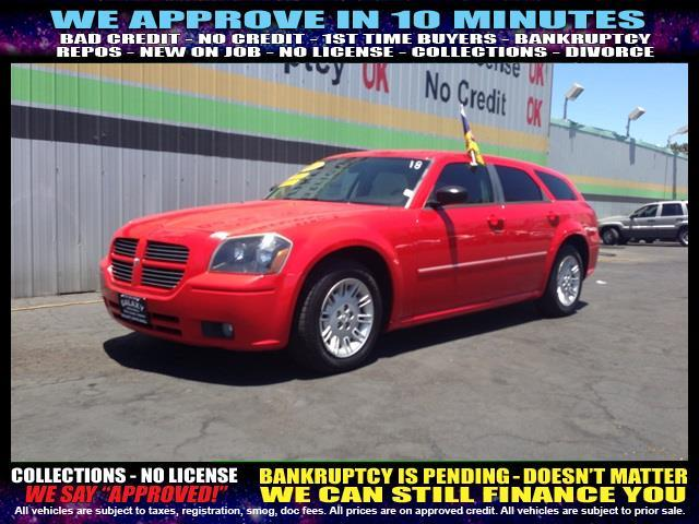 2007 DODGE MAGNUM SXT 4DR WAGON red  welcome take a test drive or call us if you have any ques