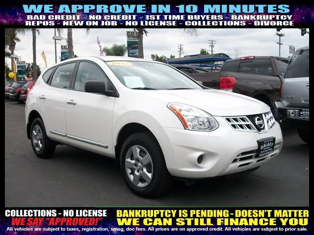 2013 NISSAN ROGUE white  welcome take a test drive or call us if you have any questions you