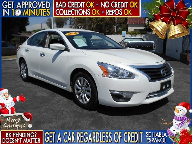 2013 NISSAN ALTIMA white  welcome take a test drive or call us if you have any questions you