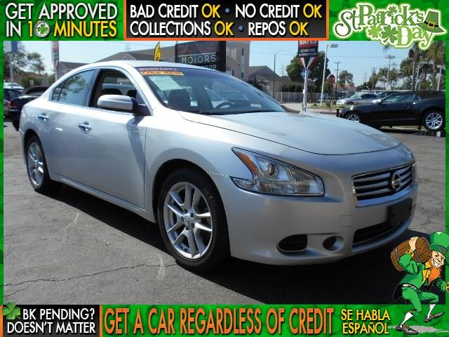 2013 NISSAN MAXIMA silver  welcome take a test drive or call us if you have any questions yo