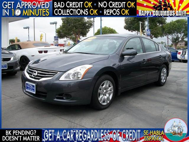 2012 NISSAN ALTIMA black  welcome take a test drive or call us if you have any questions you
