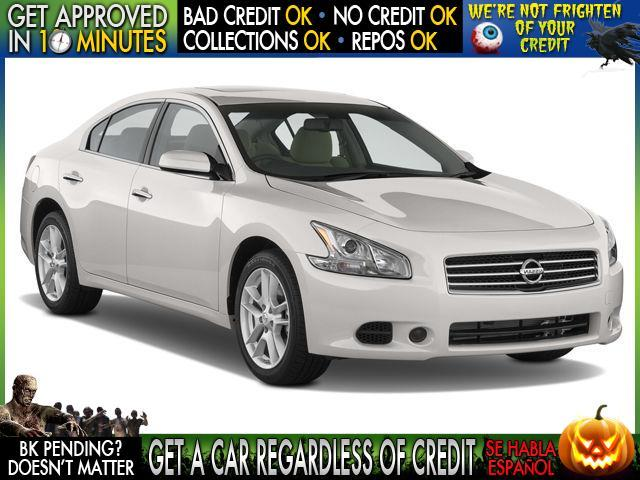 2012 NISSAN MAXIMA white  welcome take a test drive or call us if you have any questions you