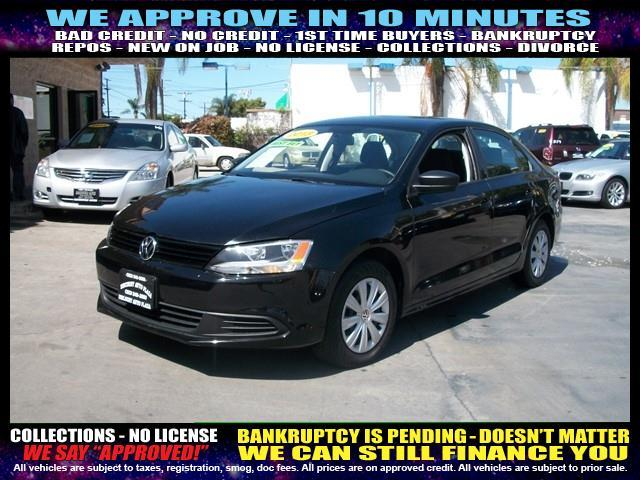 2013 VOLKSWAGEN JETTA black  welcome take a test drive or call us if you have any questions
