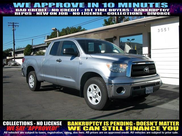 2010 TOYOTA TUNDRA GRADE 4X2 4DR DOUBLE CAB PICKUP silver  welcome take a test drive or call u