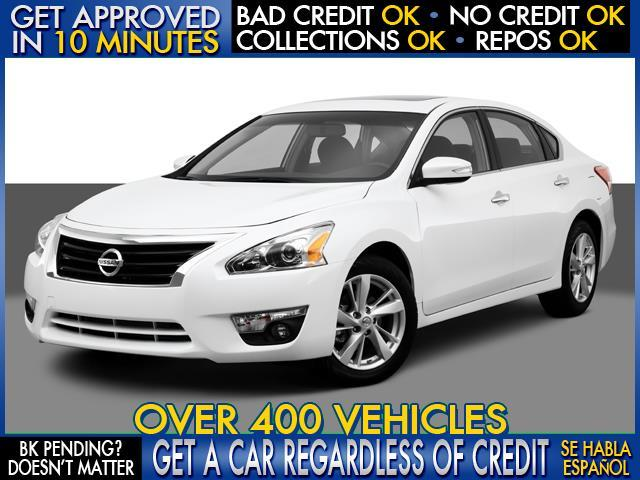 2013 NISSAN ALTIMA 25S white  welcome take a test drive or call us if you have any questions