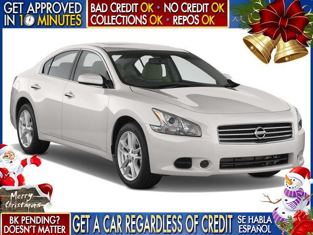 2013 NISSAN MAXIMA white  welcome take a test drive or call us if you have any questions you