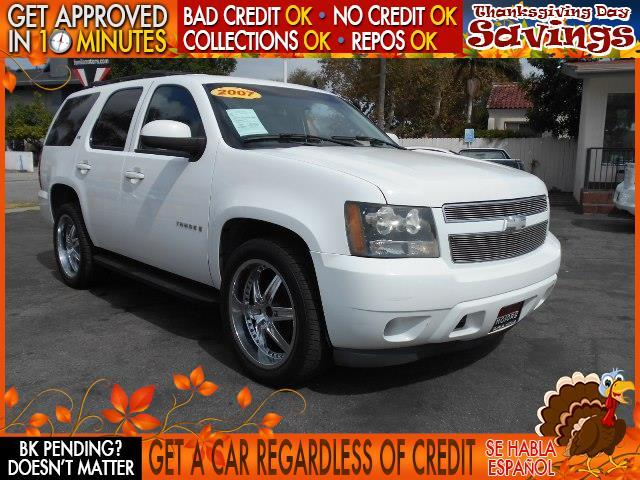 2007 CHEVROLET TAHOE white  welcome take a test drive or call us if you have any questions y