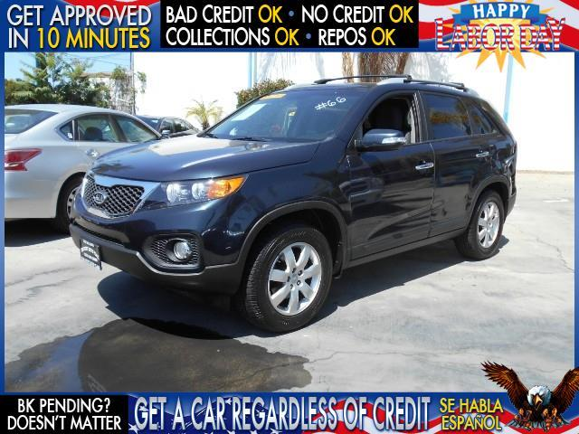 2012 KIA SORENTO LX 4DR SUV I4 GDI blue  welcome take a test drive or call us if you have an