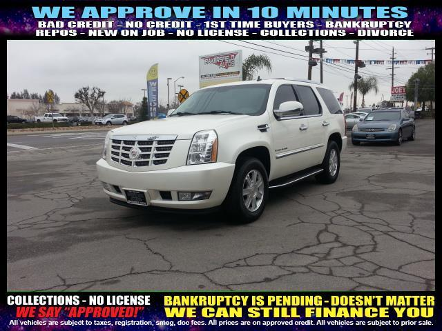 2008 CADILLAC ESCALADE BASE 4DR SUV white  welcome take a test drive or call us if you have an