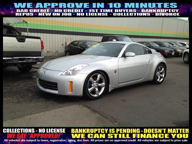 2006 NISSAN 350Z silver  welcome take a test drive or call us if you have any questions you