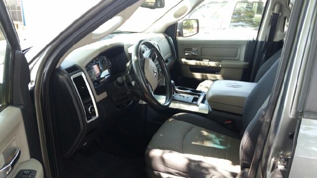 2009 Dodge Ram Pickup 1500 4x2 ST 4dr Crew Cab 5.5 ft. SB Pickup - Weatherford TX