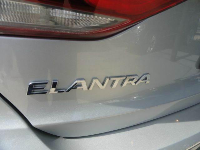 2017 Hyundai Elantra SE 4dr Sedan 6A - Madison NC