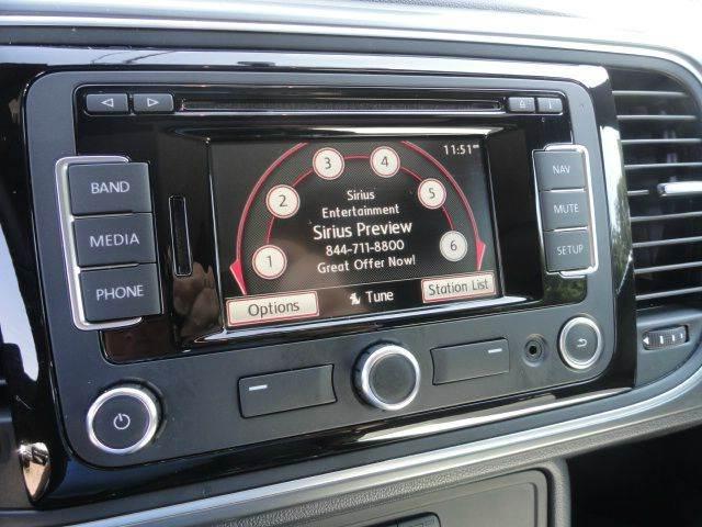 2014 Volkswagen Beetle R Line PZEV 2dr Hatchback 6A w/Sunroof, Sound and Navigation - Madison NC