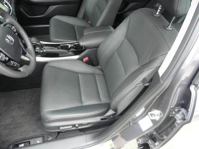 2017 Honda Accord EX-L V6 w/Navi w/Honda Sensing 4dr Sedan and Honda Sensing - Madison NC