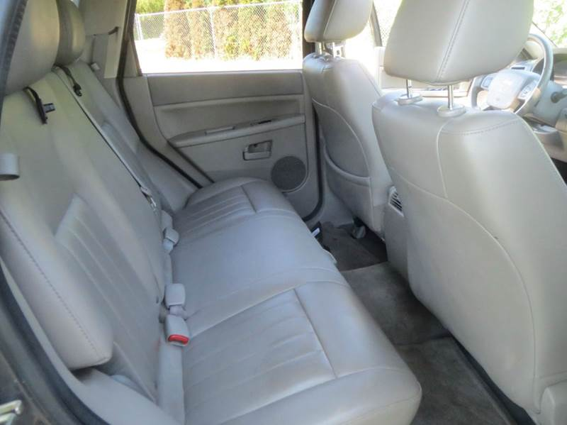 2006 Jeep Grand Cherokee Laredo 4dr SUV 4WD w/ Front Side Airbags - Twin Falls ID