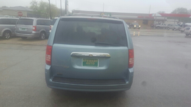 2008 Chrysler Town and Country Touring 4dr Mini-Van - Central City NE