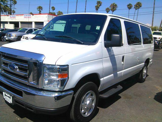 2010 FORD E-150 white 112877 miles VIN 1FDNE1BW0ADA50367 CALL FOR INTERNET SPECIAL 866-754-906