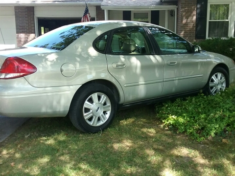 2007 Ford Taurus for sale in Salem, IL