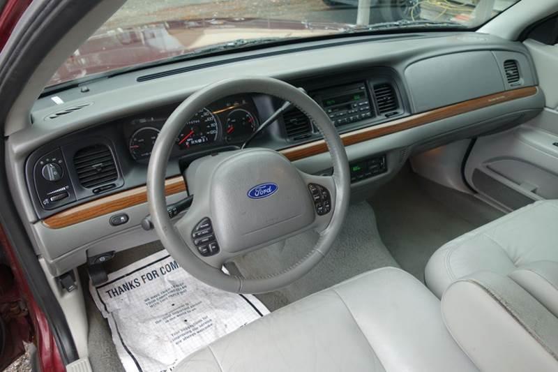 Ford Crown Victoria LX Dr Sedan In Jacksonville FL - 2004 crown victoria